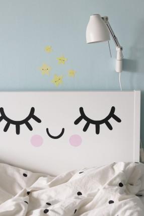 Små ögon, sänggavel